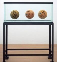 Jeff-Koons-hree-Ball-Total-Equilibrium-Tank-1985-230x300