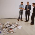 Will Ferrell y Joel McHale hablan mierda sobre arte